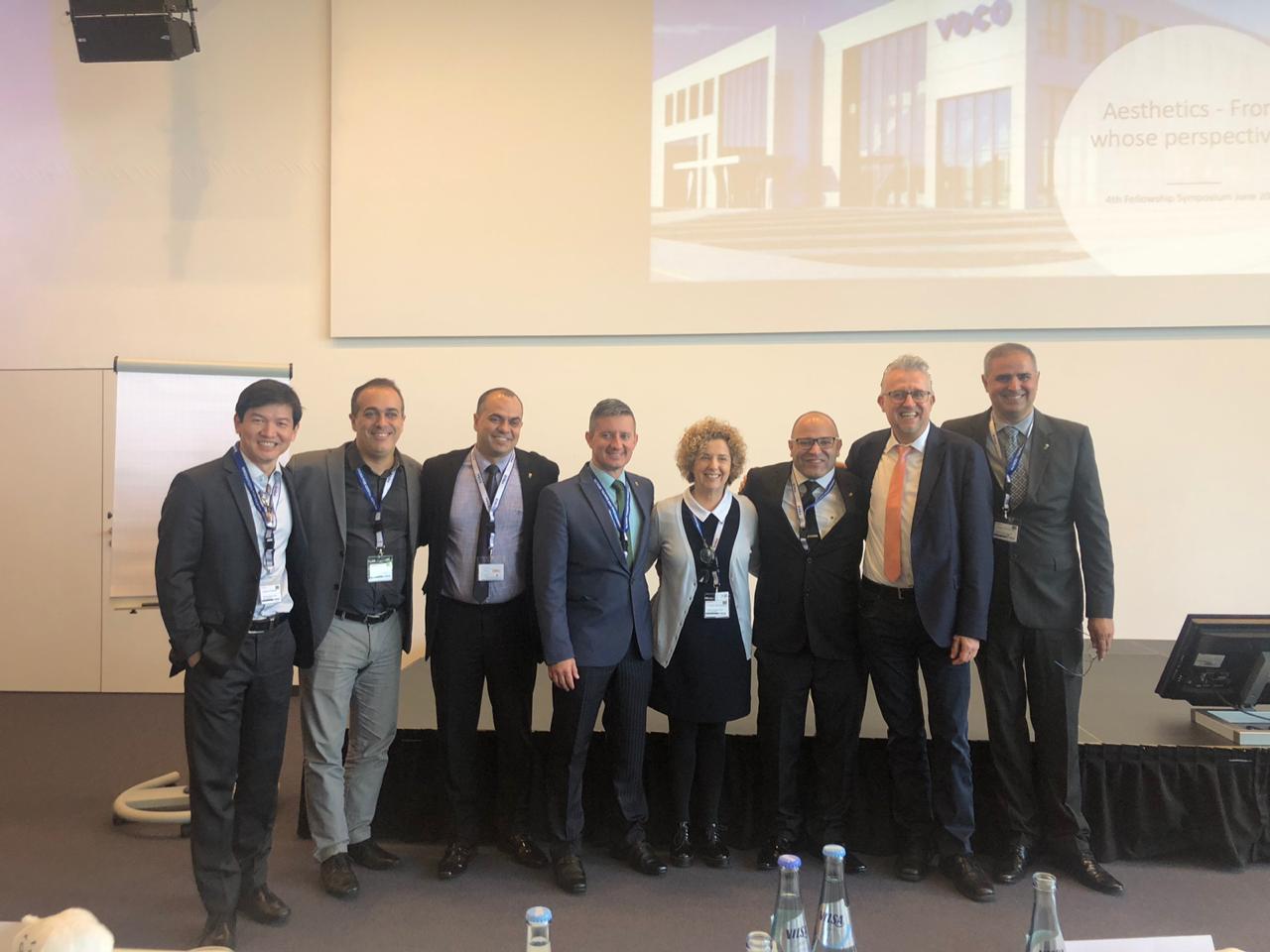 Grupo de professores brasileiros, juntamente com o Diretor Internacional da Voco