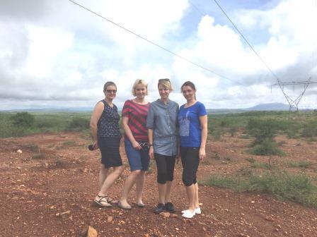 来自立陶宛的援助团队在肯尼亚。