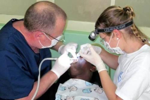 Vor allem die Zähne von Kindern und Jugendlichen waren vielfach massiv von Karie