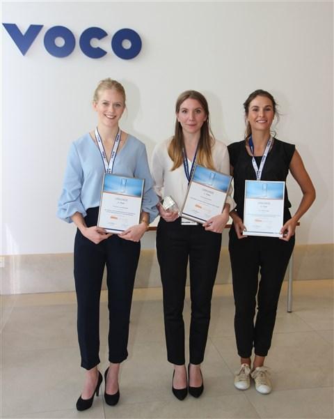Die Preisträgerinnen des Vorjahres: Franziska Beck (Mitte), Sina Luisa Broscheit