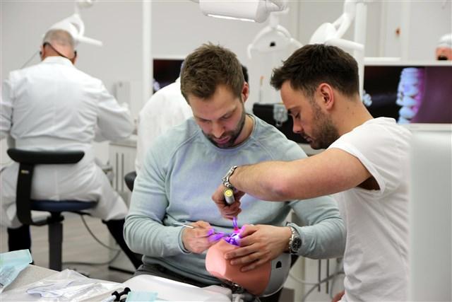 Die Teilnehmer des Intensivseminars: (l.) Dr. Dennis Waskönig und Dr. Gerrit Lef