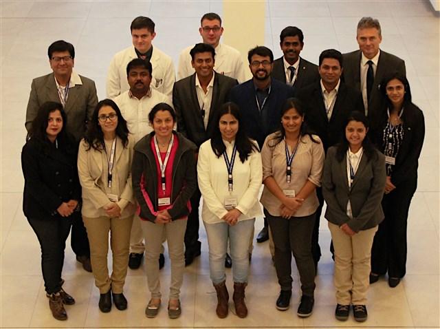 Die indischen Zahnärzte mit (hintere Reihe v.l.) Dr. Peter Kopecky und Dr. Matth