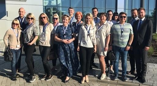 Zahnärzte und Depotmitarbeiter aus Litauen: Mit vielen Produkten arbeiten sie in
