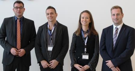 Die beiden bulgarischen Zahnärzte Dr. Yordan Tarpomanov und Dr. Iliyana Trenchev