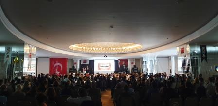 More than 400 dentists listened to the lecture of Prof. Dr. Esra Can.