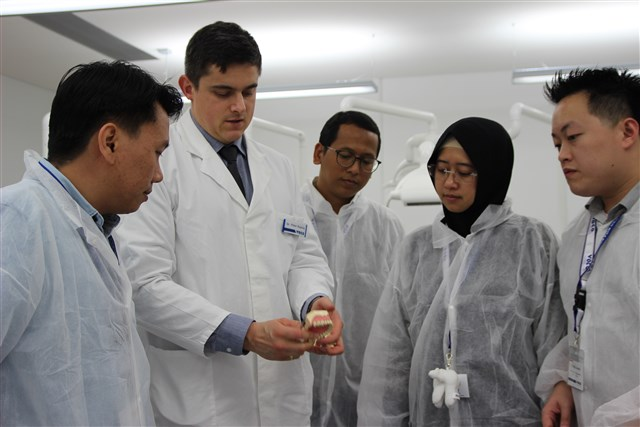Dentists from Indonesia during the  hands-on course with Rebilda Post.