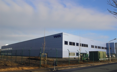 El nuevo edificio de producción, de dos plantas, proporciona 9.000 metros cuadra