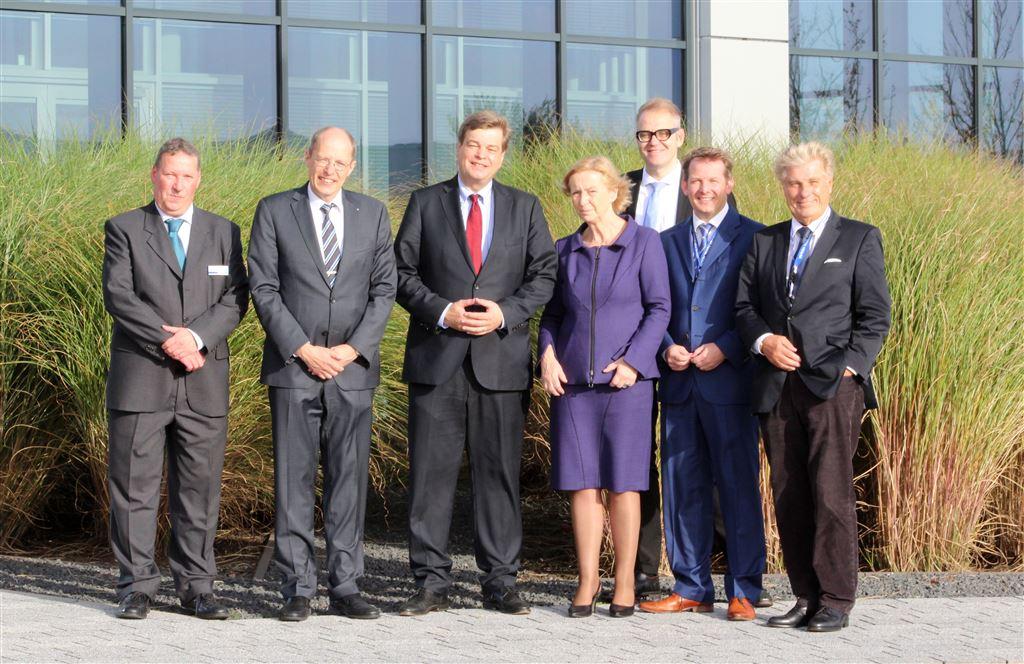 (De izquierda a derecha) Prof. Dr. Reinhard Maletz (director del área de Investi