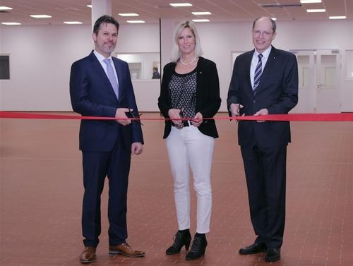 L'inaugurazione dopo 1 anno di lavori: i membri del management di VOCO, Olaf Sau