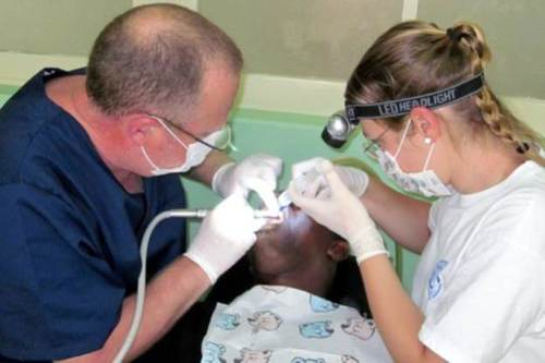 Soprattutto i denti di bambini e adolescenti erano spesso colpiti dalla carie