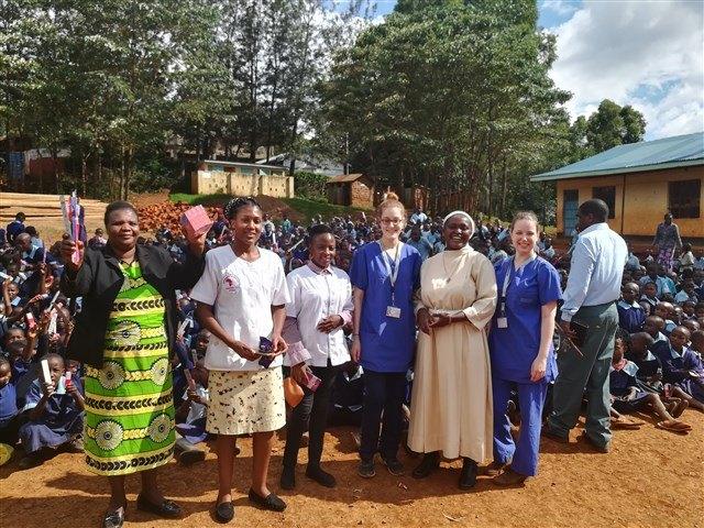 Wizyta w szkole podstawowej w Nyaura.