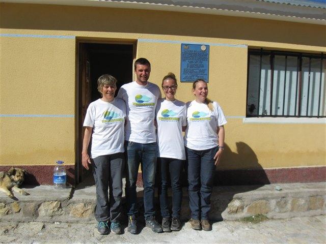 A equipa de dentistas: a Dr.ª Annette Schoof-Hosemann, Tobias Kleinert, Alexandr