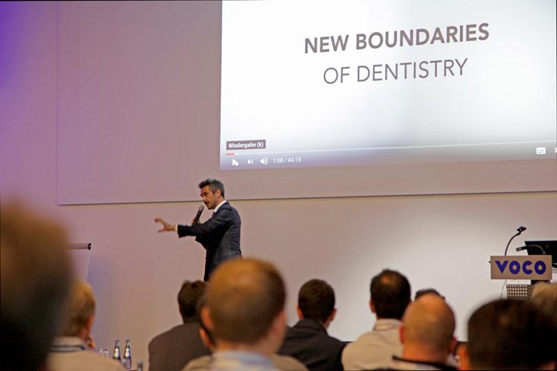 El Dr. Miguel Stanley durante la conferencia de apertura.